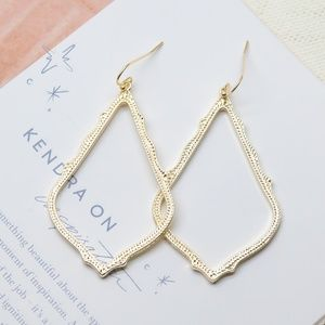 Kendra Scott Sophee Drop Earrings Gold FIRM PRICE